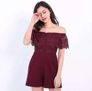 🌷(IN STOCK) Scalloped Lace Off Shoulder Romper Maroon