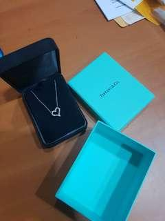 Tiffany & Co original Heart Diamond Necklace. Platinum 100% original real diamonds