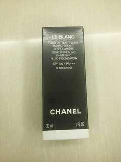 Chanel whitening fluid foundation 30 ml warna 12 beige rose SPF 30