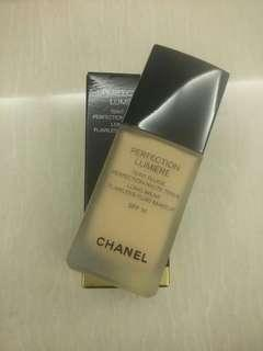 Chanel perfection lumiere foundation Spf 10 warna 32 beige rose isi 30 ml