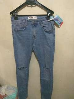 Celana jeans pull and bear original and new