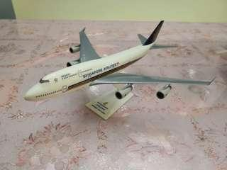 🚚 Singapore Airlines Boeing 747-400 Megatop Aircraft Model 1/250 scale