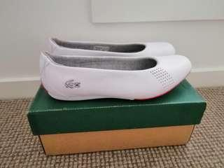 Women's NEW US 7 lacoste white leather round slip on flat