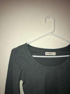 ABERCROMBIE AND FITCH CROPPED LONG SLEEVE