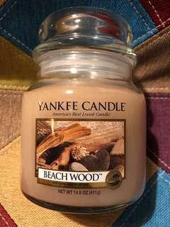 Yankee Candle - beach wood medium jar 411g