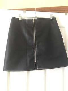 Dissh size 10 black vegan leather skirt