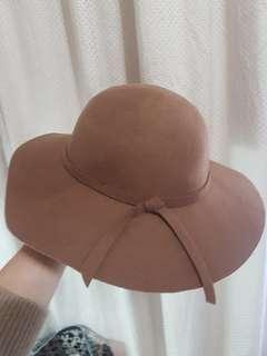 🚚 卡其色圓帽 紳士帽 薛妞妞 清單 穿搭
