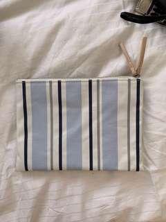 Country Road make up bag