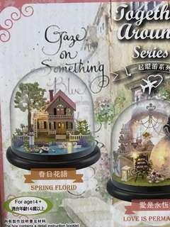 Handcraft miniature house with glass cover and lights