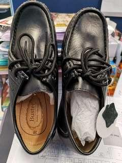 Buster皮鞋