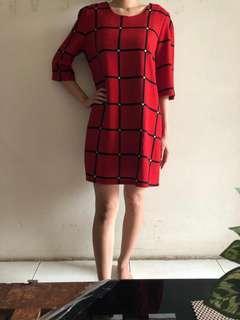 Red Dress Kotak2