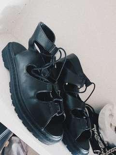 Charles & keith shoes ( beli di counter langsung)