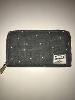 Herschel Wallet (large), like new