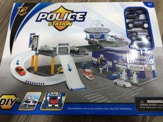 BNIB Police Station Playset