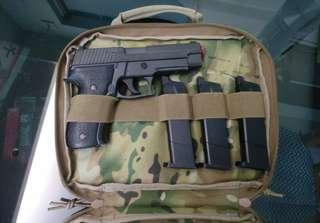二手 WE P226 跟3匣&槍袋