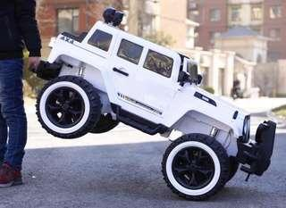 Big Jeep 6188 Rechargeable Ride On Car Truck with Rubber Tires and Leather Seats