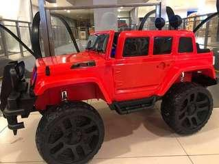Big Jeep 6188 Rechargeable Ride On Car Truck with Rubber Tires & Leather Seats