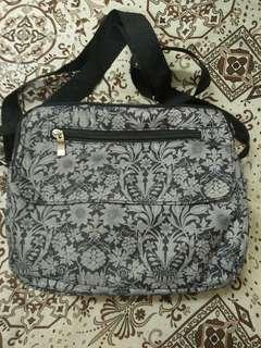 sling bag bunga2