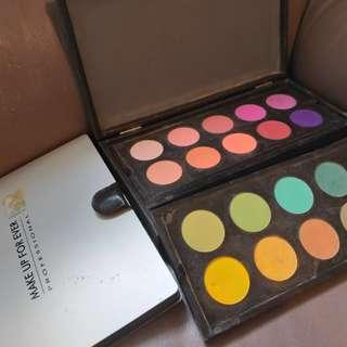 Make up forever professional 20 colours plus 2 cases