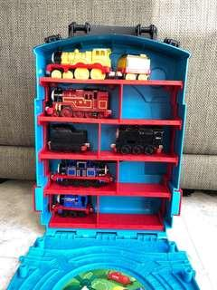 Thomas the Train Carry Case + 5 trains