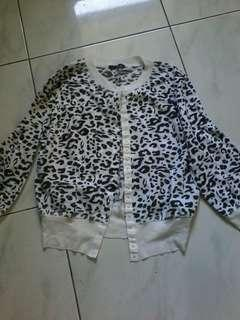 Printed buttoned blouse