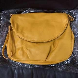 Brandnew Authentic Forever 21 Crossbody Bag (from USA)