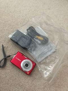 Panasonic FH2R digital camer