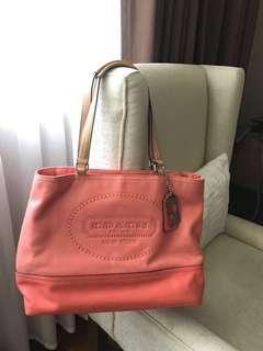 Coach shoulder bag in coral