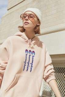 Champion & UO Vertical Logo Hoodie Sweatshirt