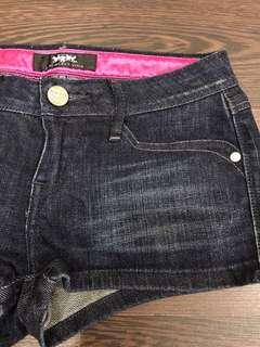 Levis Lady Style刷色短褲