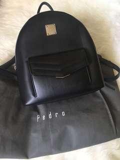 Pedro bagpack hitam ( original) beli di counter