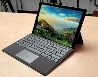 Microsoft Surface Pro i7 256 8GB with typecover
