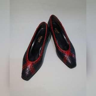 AUTHENTIC BALLY PUMPS (size 5)