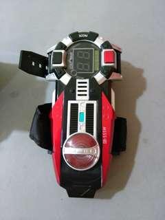 Kamen rider faiz axel form morpher 555