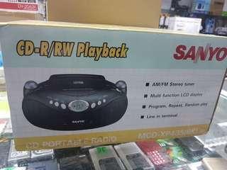 SANYO CD PLAYER WUTH  AM/FM RADIO