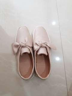 Pull and bear size 38. Warna soft pink