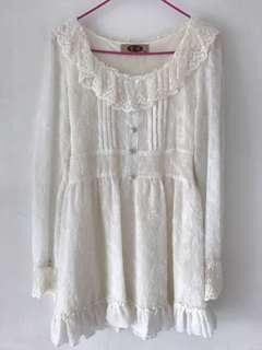 🚚 Sweet White Frilly Button Dress