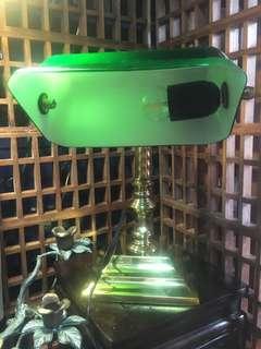 早期綠玻銀行燈