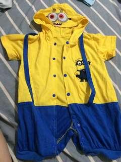 Costume minion with hood 9-12 month