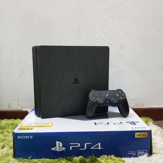 PS4 Slim Used Black 500GB #18JAN