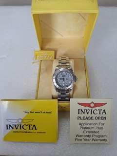 Invicta Signature  7048