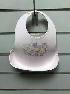 🚚 現貨日本帶回HELLO KITTY防水接漏立體圍兜兜 kitty氣球款
