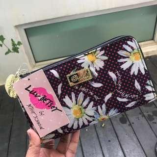 NEW Betsy Johnson Luv Betsy Floral Fabric Continental Long Wallet (Pink/Black)