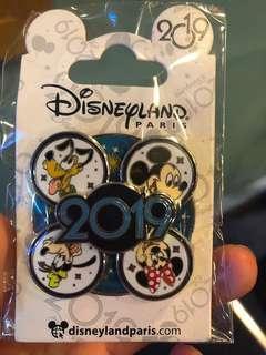 {巴黎代購}巴黎Disneyland 【Pin Mickey and Friend 2019 】 【米奇與朋友2019襟章】