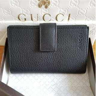 NEW Gucci Unisex Women's or Men's Snap Closure Trifold Cowhide Pebbled Leather Wallet (Black) [FINAL CLEARANCE]