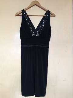 Manoukian black Low V neckline cross back dress