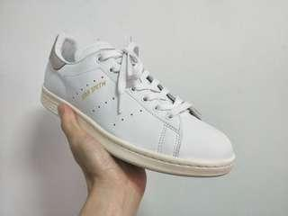 🚚 Adidas Stan smith 灰尾,US : 8.5~9號參考