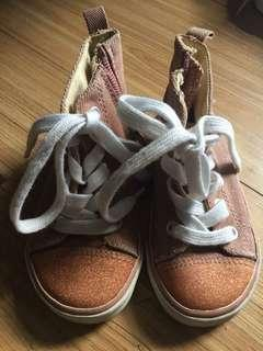 Old Navy size 7 pink sparkly hi-cut sneakers