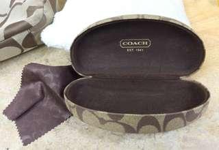 🚚 COACH 眼鏡盒 + 眼鏡布