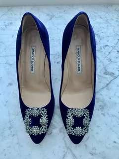 Authentic Brand New Manolo Blahnik Hangisi 90 Velvet Pumps